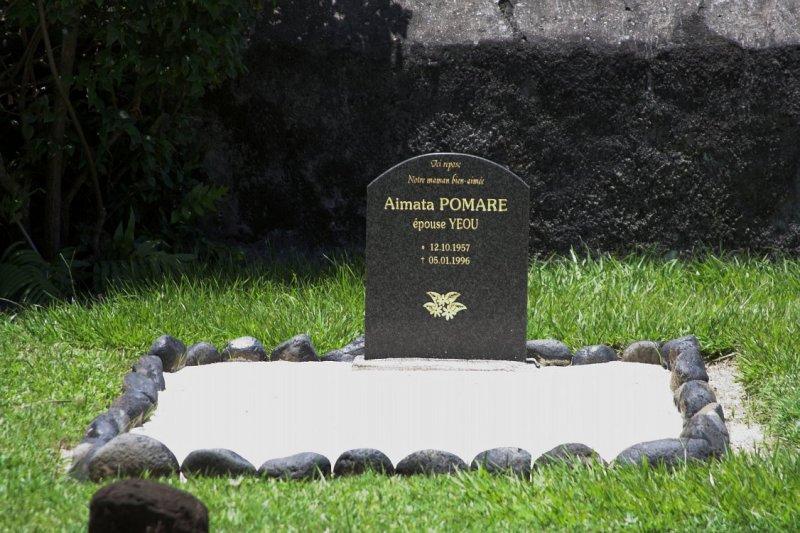 1540 Recent grave