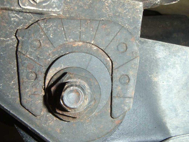 Adjustment Cam Bolt 01