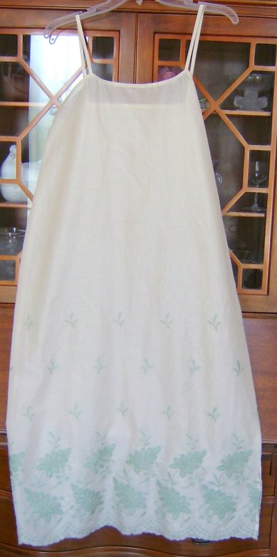 Batiste Nightgown