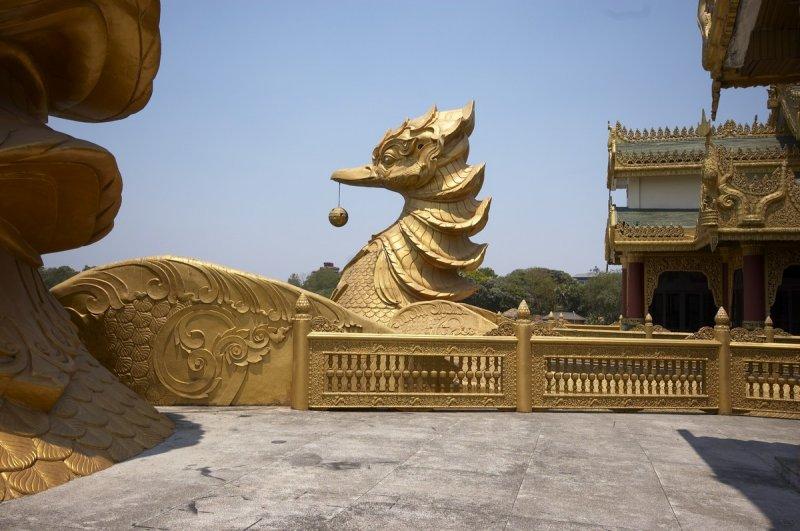 Karaweik Hall, Yangon