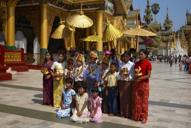 Initiation ceremony for future monks, Shwedagon