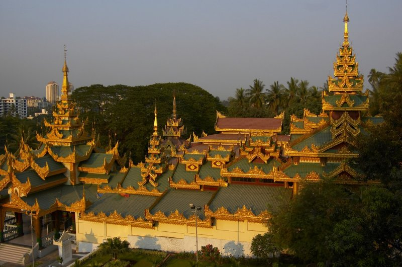 Entrance to Shwedagon