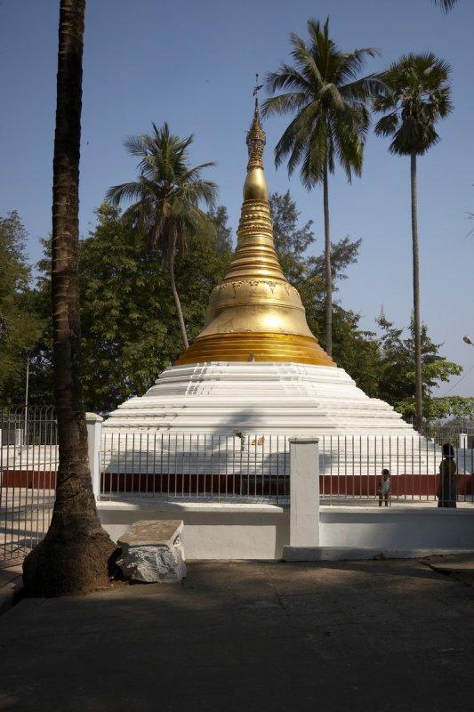 Stupa near Shwedagon Pagoda