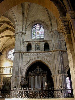 16 North Transept and Organ Bay 88001944.jpg
