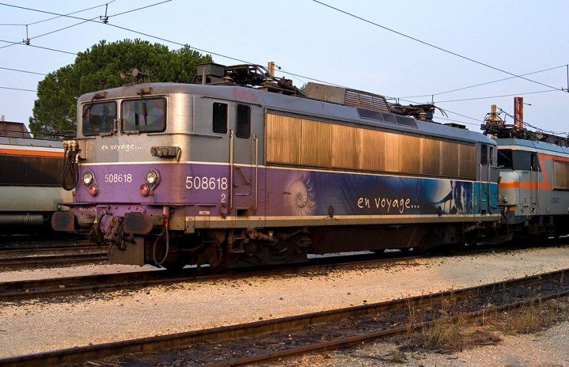 The BB8618 En Voyage resting at Avignon depot.
