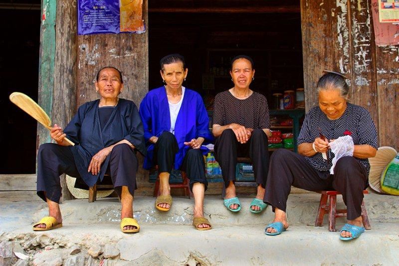 1107 Women elders enjoying each others company.