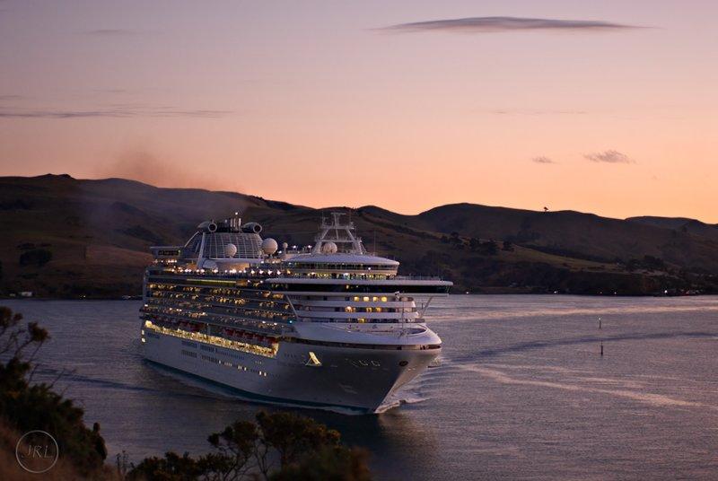 Sapphire Princess leaving Otago harbour