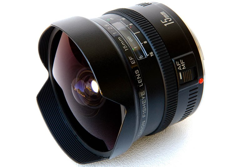 Canon Lens EF 15mm f/2.8 Fish-eye