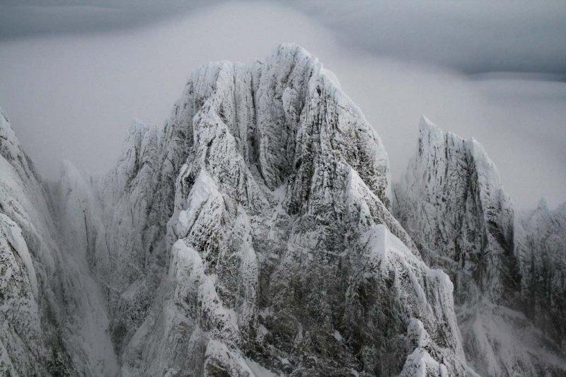 Waddington, Main Summit, Upper S Face <br>(W122806--_0400.jpg)