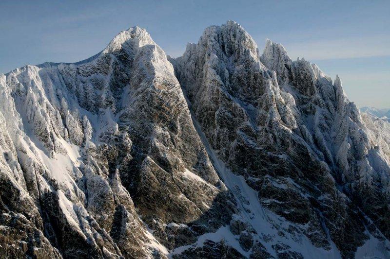Waddington, NW & Main Summits, View NE <br>(W011207--_0196.jpg)