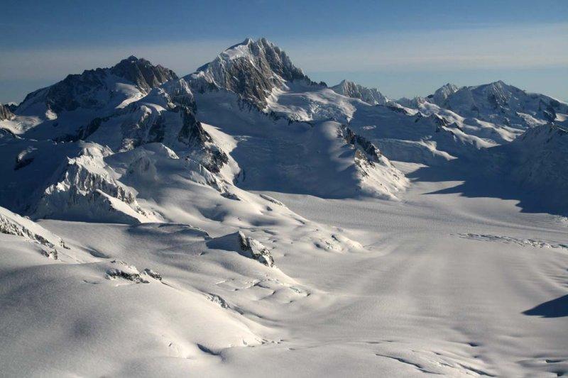 Waddington, View E Down Finality Glacier <br>(Waddington011207--_1398.jpg)