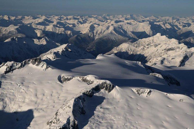 Brew Icecap, Whitemantle Range, View W (W011207--_0093.jpg)