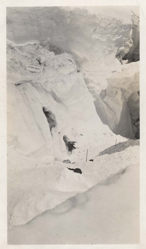 Crevasse Where Victims Were Swept And Buried (Baker1939-4.jpg)