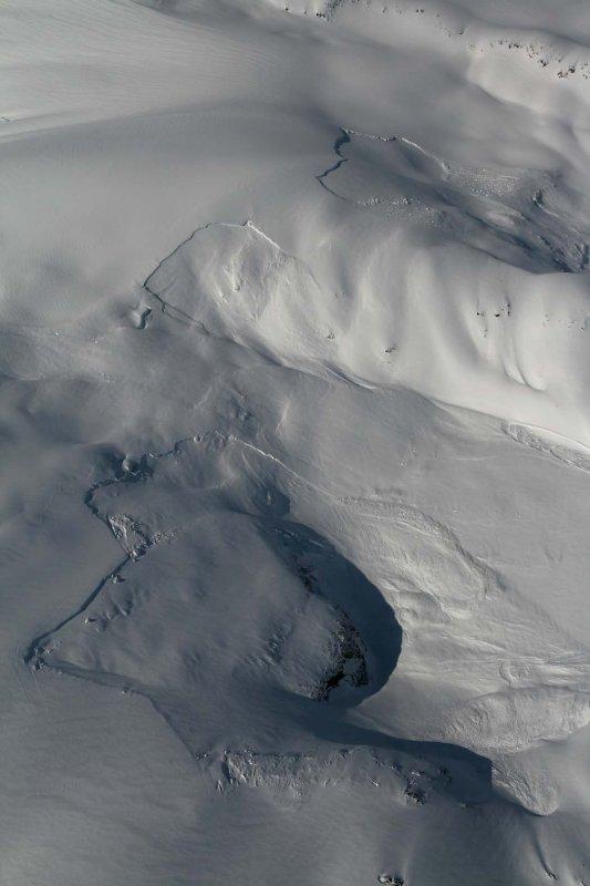 Avalanches, Willoughby NE Slopes <br>(Ha-IltzukIceFld040307-_056.jpg)