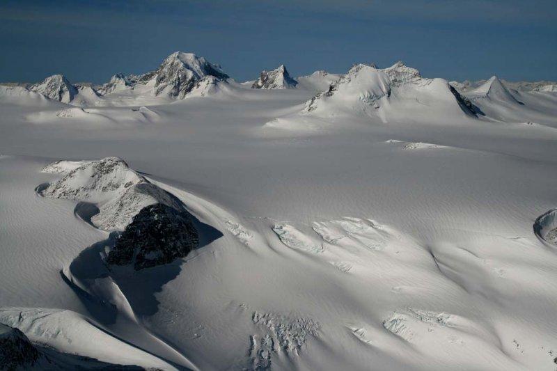 Cerberus & Monarch Icefield, View SW <br>(MonarchIceFld040307-_190.jpg)