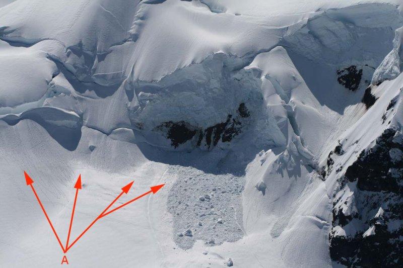 Colfax NE Face Icefall (MtBaker050907-_023A.jpg)