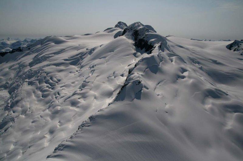 Peak 9501, View W <br> (Compton051407-_058.jpg)