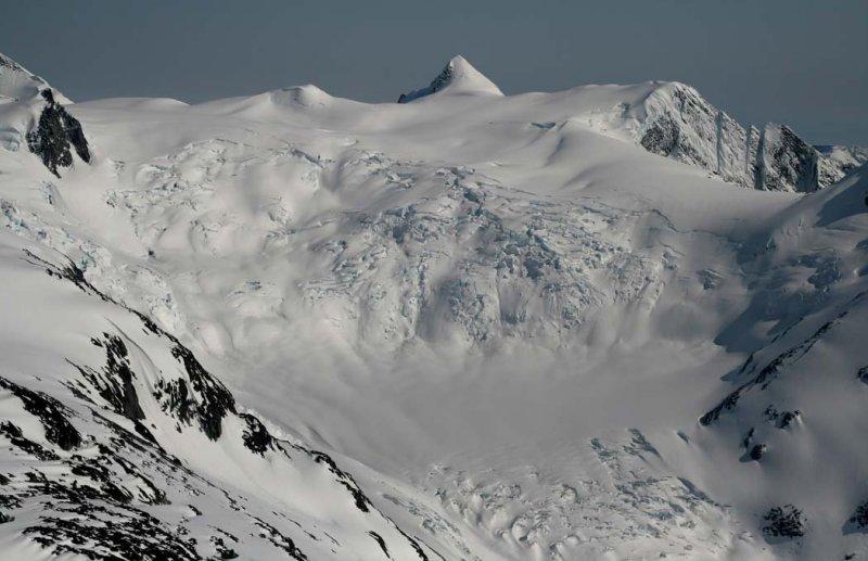 Peak 9535, View SE <br> (Compton051407-_096.jpg)