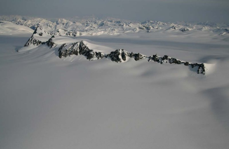 Plateau Pk & Heakamie Glacier, View NE <br>(Homathko051507-_220.jpg)