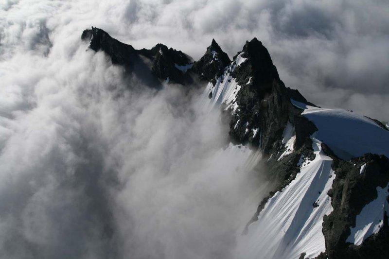 Jagged Ridge, View SE <br> (Shuksan073007-_146.jpg)