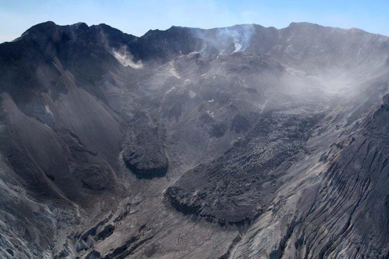 Lava Dome & Crater Glacier <br> (MSH091107-59.jpg)