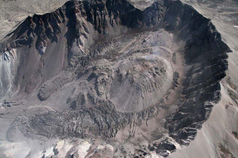 Crater Glacier & Lava Dome <br> (MSH091107-_306.jpg)