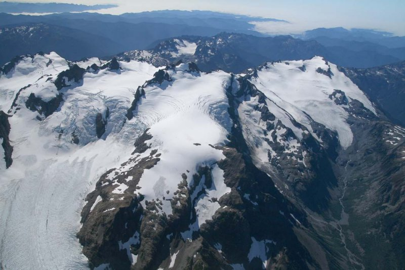Blue Glacier (L), Olympus, Snow Dome, White Glacer (R), View SW <br> (OlympicNP091307-44adj.jpg)