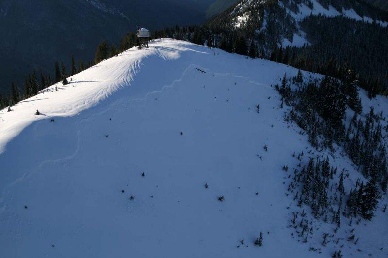 Miners Ridge Lookout & Avalanche Fracture Line <br>(MinersRidge121007-_048adj.jpg)