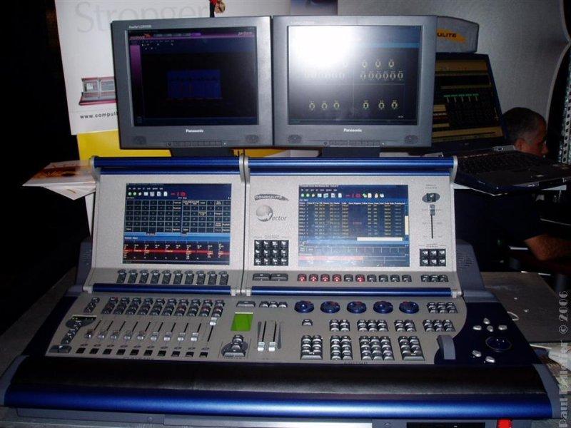 2003-11-22_LDI_0102.jpg