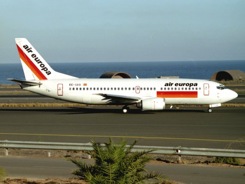 B.737-300 EC-GEO