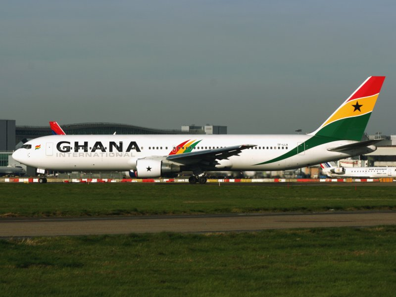 B.767-300 TF-LLA