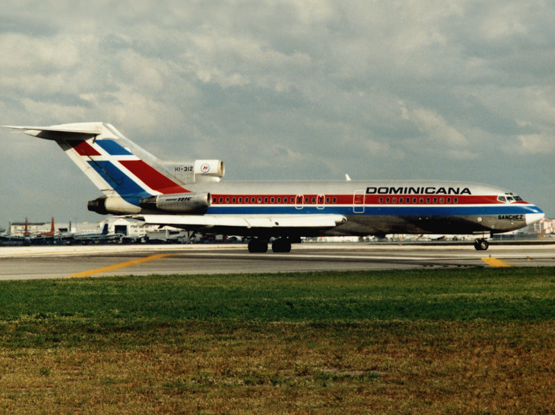 B.727-100 HI-312