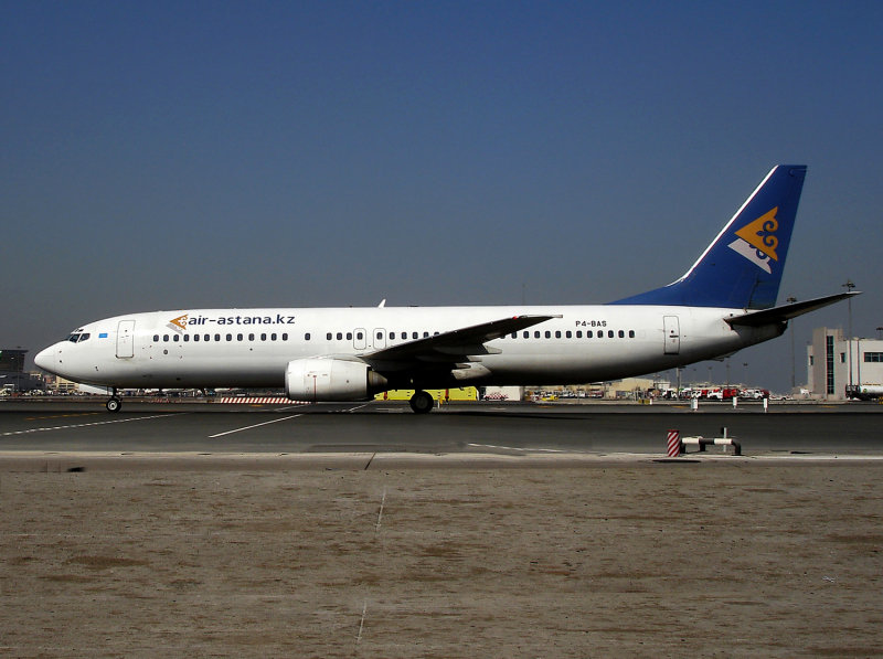 Boeing 737-800 P4-BAS