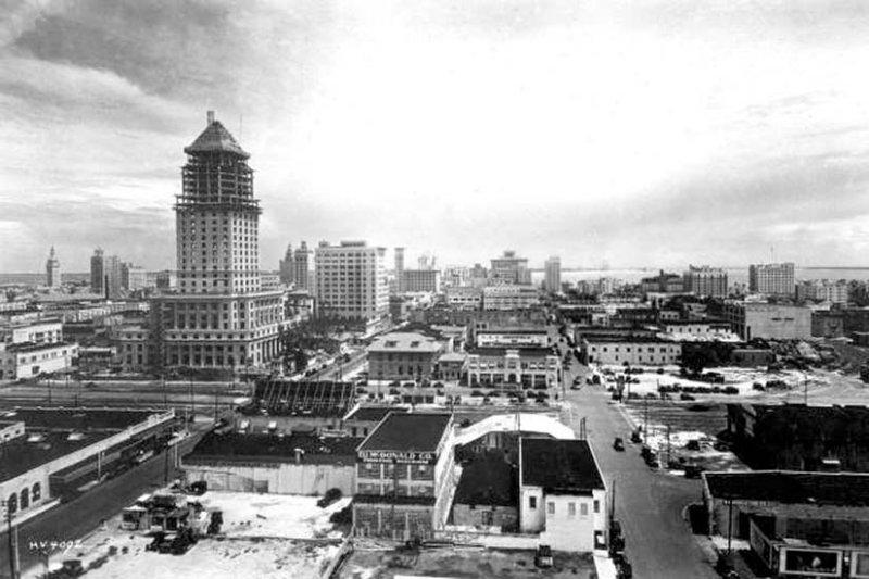 1927 - Downtown Miami from the El Comodoro Hotel