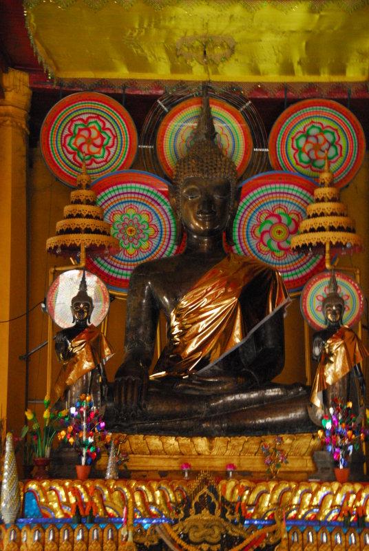 Wat Ong Teu Big Buddha