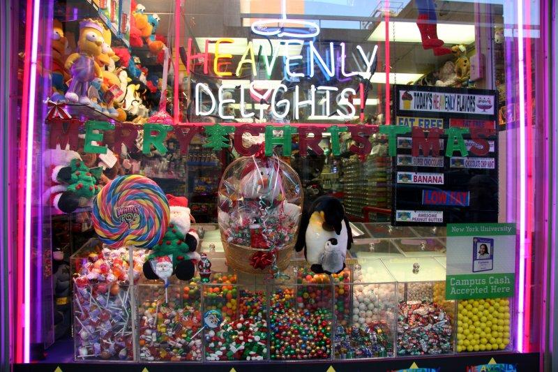 Heavenly Delights - Merry Christmas Window