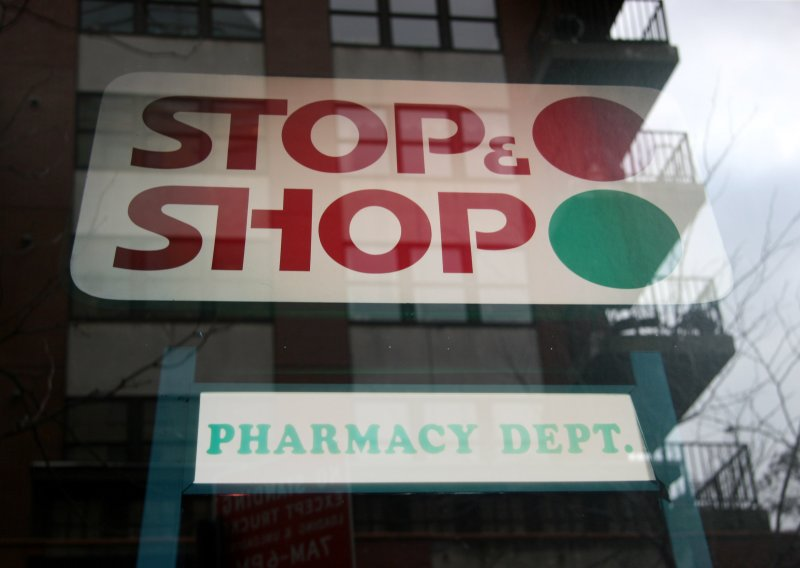 STOP &SHOP Sign  with Window Reflection of LaGuardia Place Residences