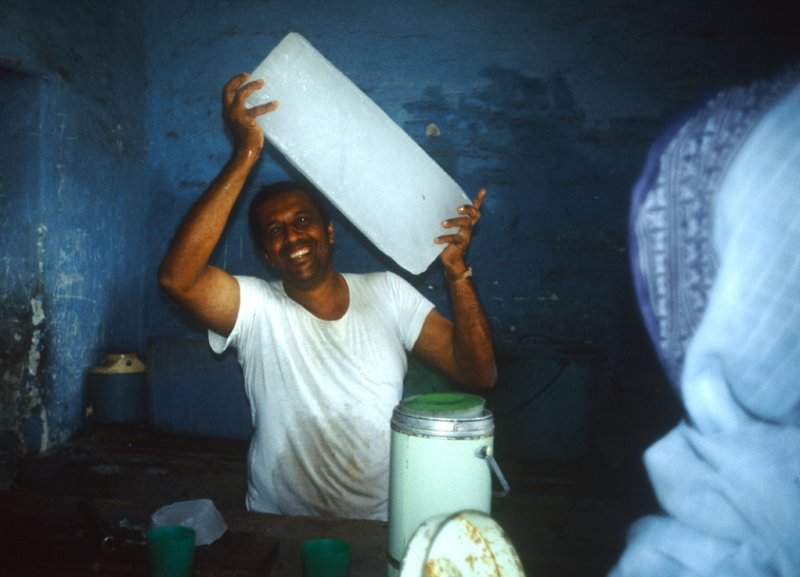 My best friend in Mogadishu: the ice provider