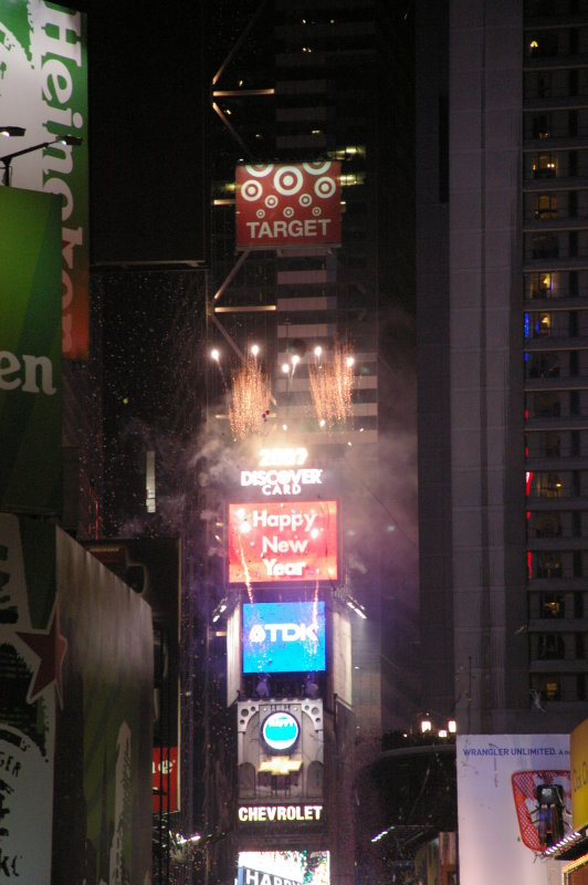 new years eve at times square nyc 2007 photo gallery by waqas usman at pbasecom