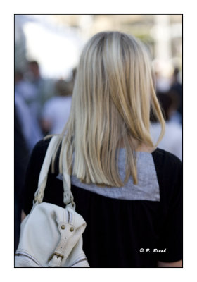 3575 - Back of a real Blonde
