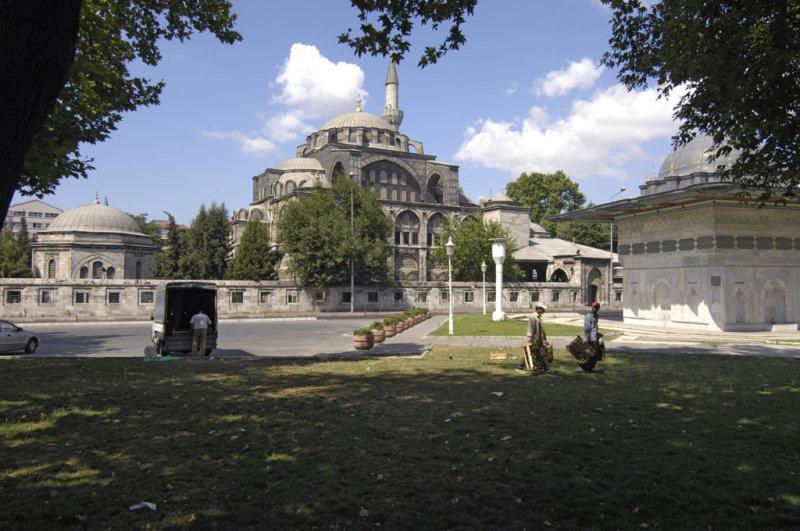 Istanbul 062007 8485.jpg