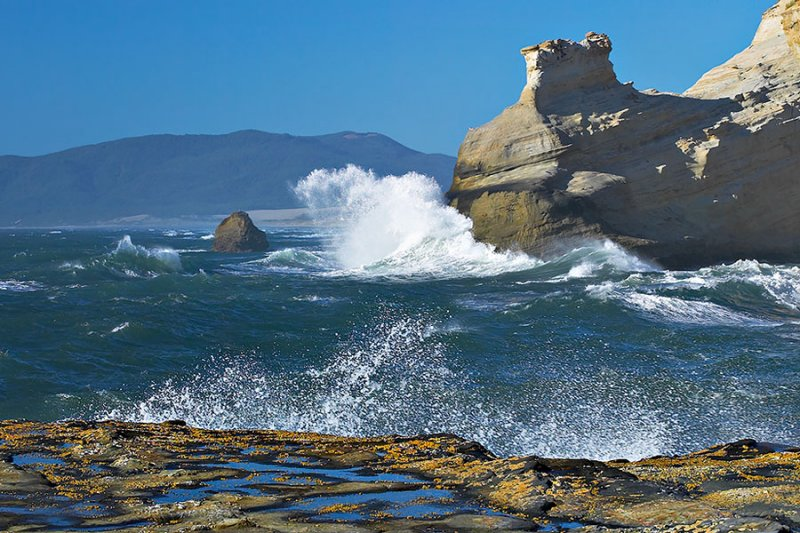 Cape Kiwanda Splash.jpg