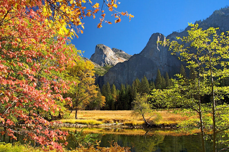 Autumn in Yosemite Valley.jpg