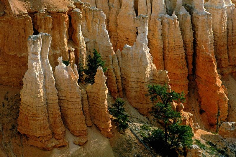 Bryce Canyon Rockformations.jpg