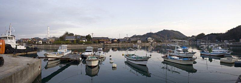 Onishi_morning_boats_web.jpg
