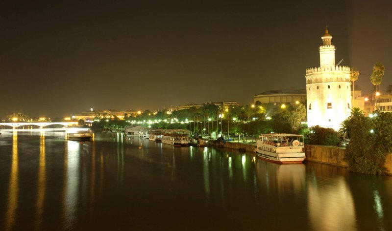 Torre Del Oro-at-Night.jpg