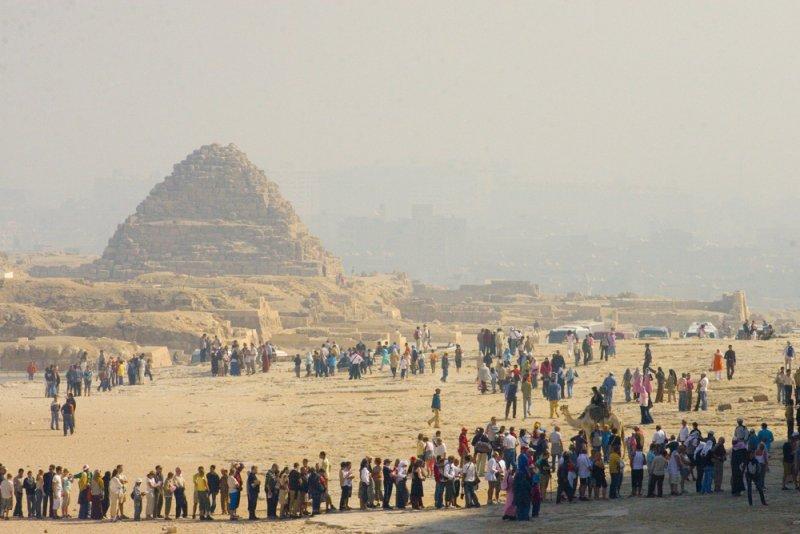 Touristicas lining up