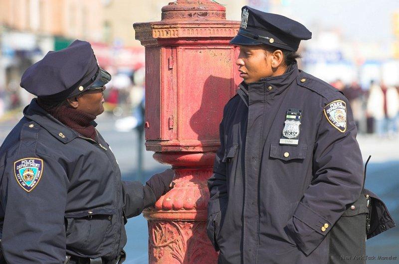 PoliceWomen at Bay Ridge in Brooklyn (2).jpg