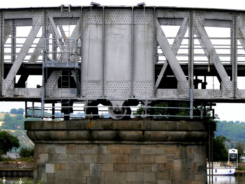detail of the swing bridge