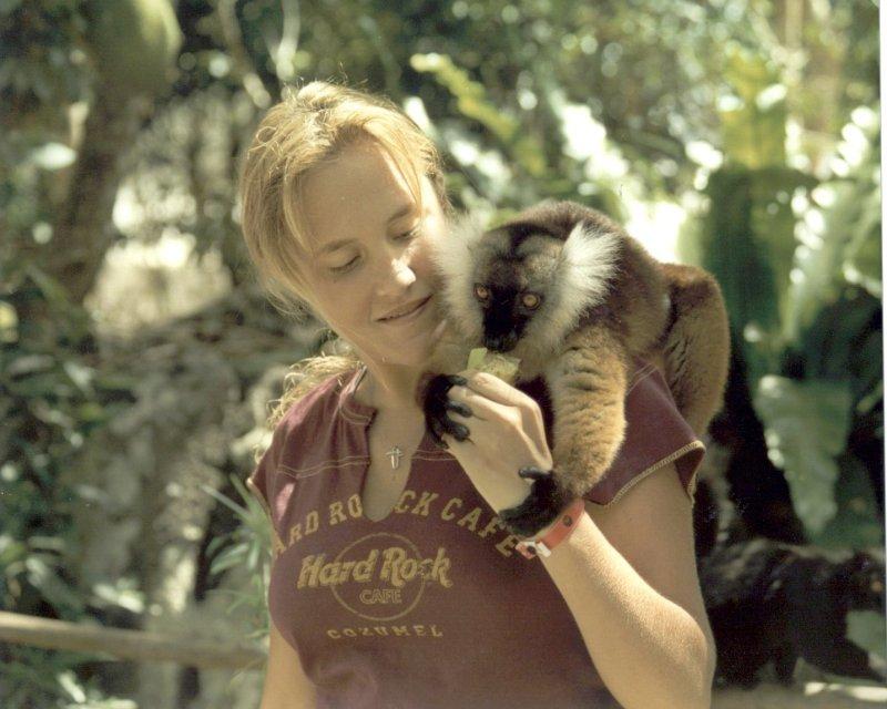 lemurgirl.jpg